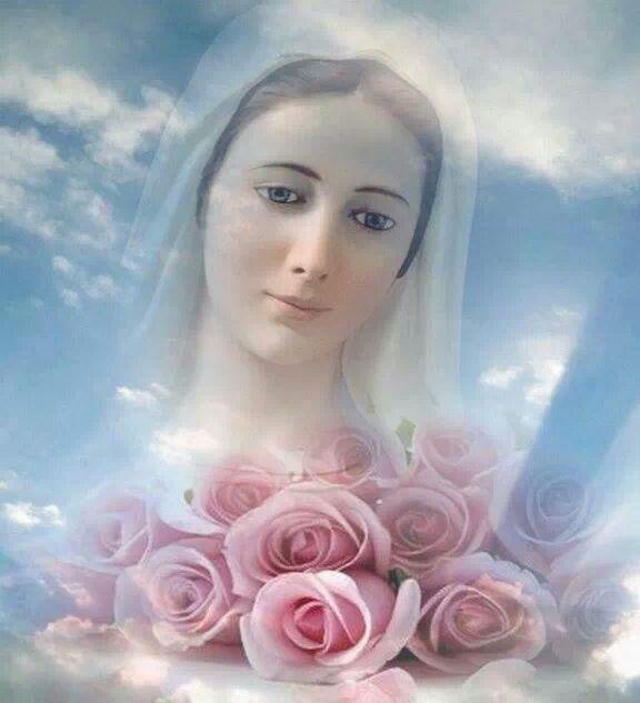 Virgen con Rosas